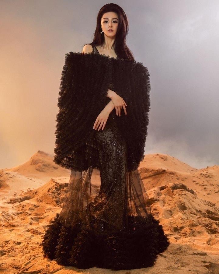 NTK Tuyết Lê bán đấu giá váy thiết kế cho Phạm Băng Băng, gây quỹ giúp nạn nhân Covid-19