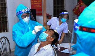 Ho sốt, 3 người ở Hà Nội đi khám phát hiện dương tính Covid-19