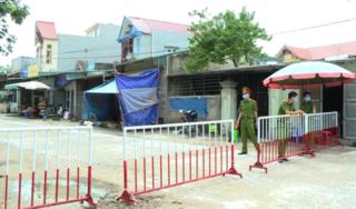 Chủ tịch xã ở Thanh Hóa bị đình chỉ công tác do lơ là chống dịch