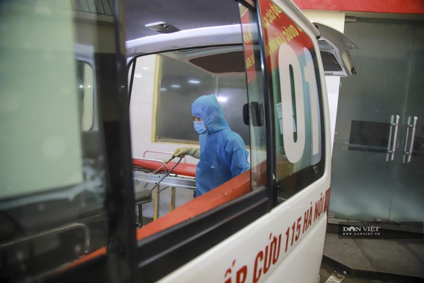 Nhân viên Cấp cứu 115 Hà Nội bị tố giữ chân, yêu cầu bệnh nhân thanh toán tiền mặt mới cho nhập viện