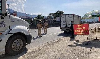 Nghệ An: Tài xế trốn khai báo y tế, ăn nhậu tại nhà làm lây lan dịch Covid-19