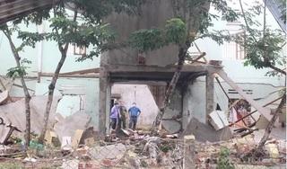 Vụ 2 vợ chồng tử vong sau tiếng nổ lớn: Tìm thấy vật liệu nổ tại hiện trường