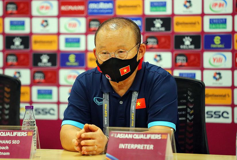 Trọng tài Dương Mạnh Hùng cho rằng trọng tài Qatar đã quyết định chính xác