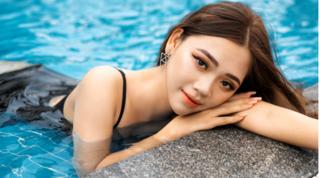 Nhan sắc xinh đẹp của nữ sinh Nam Định dẫn đầu bình chọn cuộc thi Hoa hậu Hoàn vũ Việt Nam
