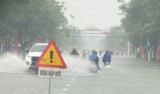 Tin thời tiết ngày 13/9, do ảnh hưởng từ bão số 5, miền Trung mưa rất to