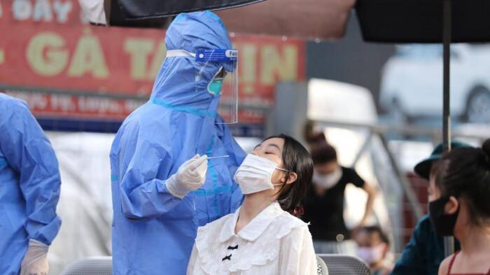 Trẻ em dưới 12 tuổi ở Hà Nội không bắt buộc phải xét nghiệm Covid-19