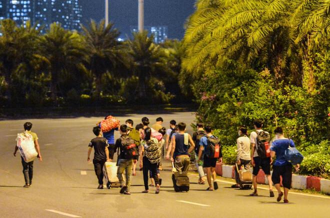 Hà Nội lập danh sách người lao động có nguyện vọng trở về quê