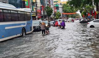 Hải Phòng: Sau trận mưa lớn, thành phố chỉ đạo khắc phục tình trạng ngập lụt khu vực nội thành