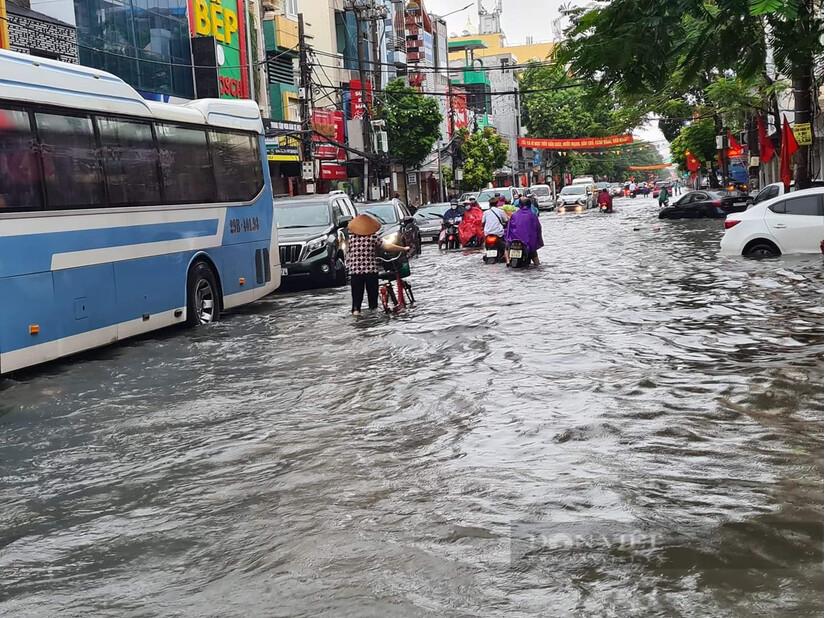 Sau trận mưa lớn, thành phố Hải Phòng chỉ đạo khắc phục tình trạng ngập lụt khu vực nội thành