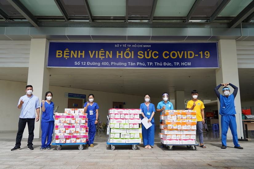 Vinamilk đóng góp hơn 95 tỷ đồng cùng chính phủ, tuyến đầu, cộng đồng chống dịch Covid-19