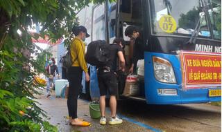 15 người 'ngồi thùng xe đông lạnh né chốt kiểm dịch' ở Bình Thuận được đưa về quê