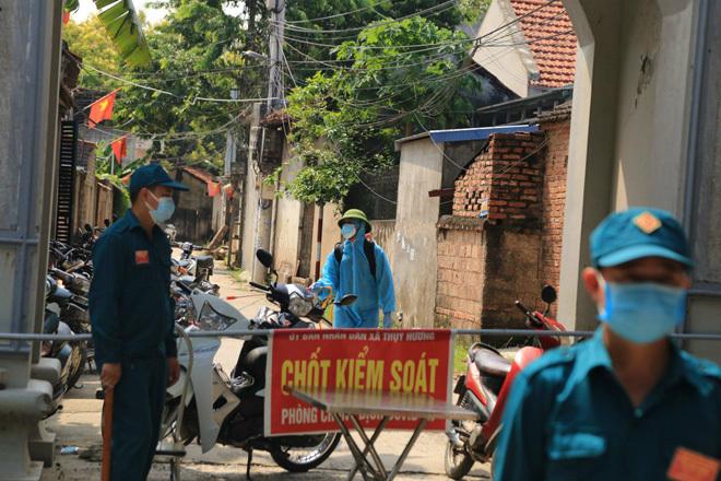 Tài xế xe luồng xanh dương tính với SARS-CoV-2, Hà Nội tìm người tới điểm tiêm chủng