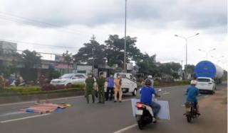Người phụ nữ bị xe chở thiết bị điện gió tông tử vong khi băng qua đường
