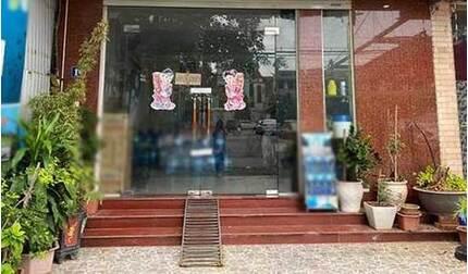 Bé gái 6 tuổi ở Hà Nội tử vong nghi bị bạo hành: Công an mời người bố lên làm việc