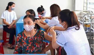 Quảng Ninh: Đến 20/9 sẽ phấn đấu hoàn thành tiêm vaccin mũi 1 cho người dân