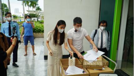 Sao kê từ thiện của vợ chồng Thủy Tiên - Công Vinh: Cần mời công ty kiểm toán để soát xét các khoản thu chi