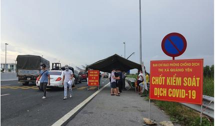 Hai ô tô chở 8 người từ Nam Định 'thông chốt' vào Quảng Ninh bất thành