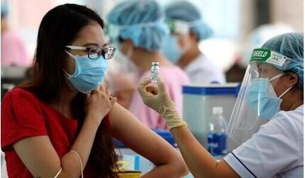 Hy hữu: Nữ giáo viên tiêm 2 mũi vắc xin Covid-19 cách nhau chưa đầy 10 phút