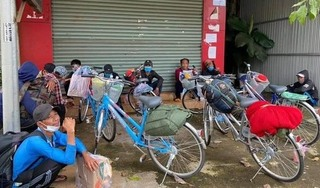 12 người đạp xe từ Nam Định về miền Tây, đang kẹt tại Đắk Nông không thể đi tiếp