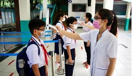 """Hà Nội: Trường học sẵn sàng đón học sinh trở lại, phụ huynh chờ ngày """"được giải phóng"""""""