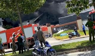 Cháy lớn ở Công ty sản xuất mút xốp trong KCN Nam Tân Uyên