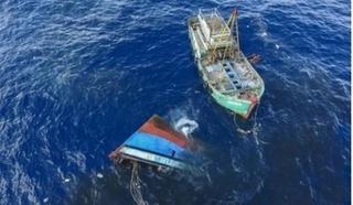 Tàu hàng tông tàu cá chìm trên biển, 2 ngư dân mất tích