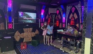 Hát karaoke bất chấp lệnh cấm, chủ quán và khách bị xử phạt hơn 70 triệu đồng