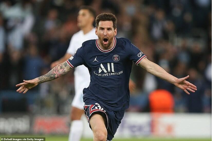 Tiền đạo Messi làm nên lịch sử Champions League