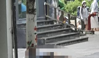 Hà Nội: Người phụ nữ rơi từ tòa nhà văn phòng xuống đất tử vong