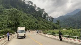 Chạy xe máy về quê tránh dịch, 2 mẹ con gặp tai nạn tử vong thương tâm
