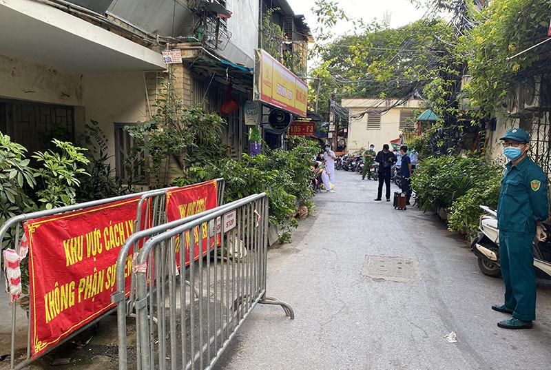 Những địa điểm nào ở Hà Nội còn đang phong tỏa