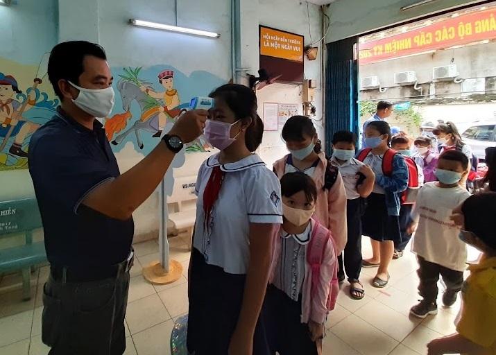 TPHCM nhiều băn khoăn với tiêu chí để mở cửa trường học