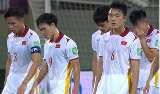 Báo Trung Quốc: 'Rất lâu rồi cầu thủ Việt Nam mới khóc'