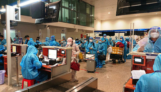 4 chuyến bay đưa 750 người dân Quảng Nam có hoàn cảnh khó khăn về quê