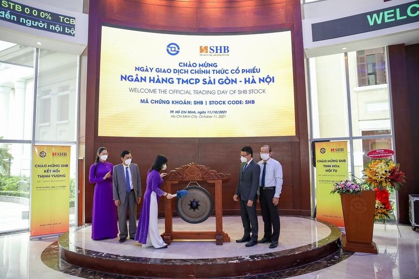 SHB đã chính thức chuyển giao dịch cổ phiếu SHB từ HNX sang HOSE với giá tham chiếu cho ngày đầu giao dịch là 28.900 đồng/cổ phiếu