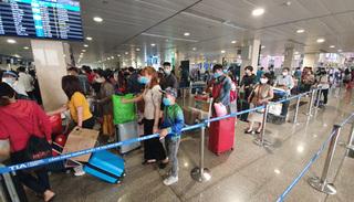Hà Nội bỏ quy định người đi máy bay từ TP.HCM đến phải cách ly tập trung