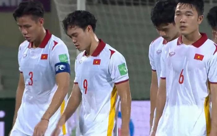 CĐV Quốc tế bức xúc thay tuyển Việt Nam ở trận gặp Oman