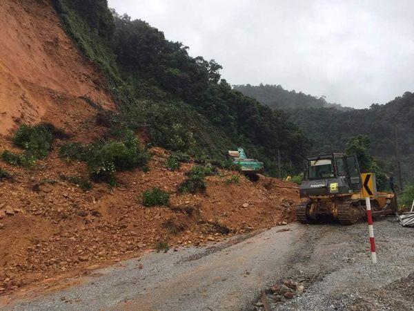 Hơn 42.000 học sinh tại Hà Tĩnh phải nghỉ học do ảnh hưởng của bão số 8