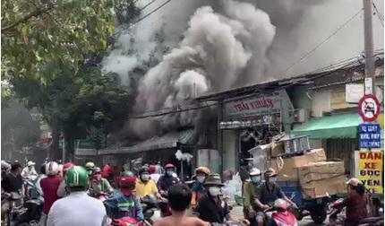 Tp.HCM: Cháy lớn ở cửa hàng điện gia dụng, nhiều tài sản bị thiêu rụi