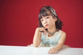 Bé Ngô Gia Linh - sứ giả yêu thương gây ấn tượng tại Super Idol Kids
