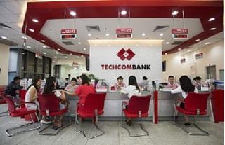 Lợi nhuận sau thuế của Techcombank giảm hơn 8%, nợ xấu tăng hơn 140%