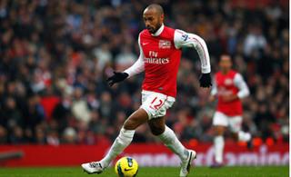 Thierry Henry chỉ ra cầu thủ xuất sắc hơn Ronaldo và Salah hiện tại