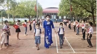 Bộ Giáo dục và Đào tạo lưu ý không thu thêm kinh phí để tổ chức ôn tập cho học sinh