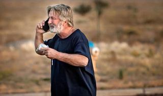 Tài tử Hollywood bật khóc sau tai nạn kinh hoàng ở phim trường