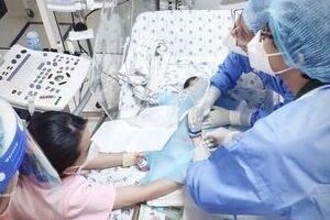 Cảnh báo sốt siêu vi và những biến chứng nguy hiểm ở trẻ nhỏ