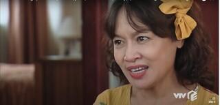 Hương Vị Tình Thân tập 64: Quá đau khổ, bà Sa định uống thuốc ngủ tự tử