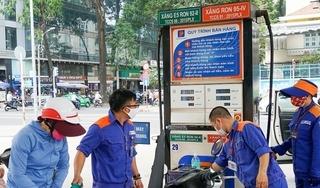 Giá xăng tăng lên mức cao nhất trong vòng 7 năm qua