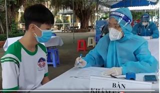 Nhà trường, phụ huynh cần lưu ý gì sau khi tiêm vắc xin cho trẻ?