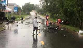 Nhiều xe máy va chạm liên hoàn khi đang lưu thông, 3 người tử vong