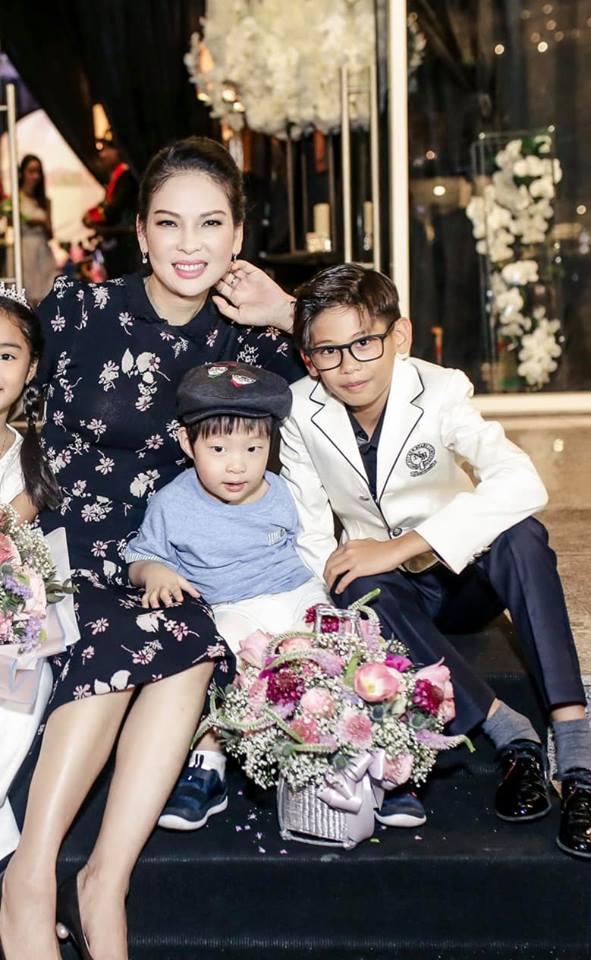 Hà Kiều Anh tiết lộ những điều ít biết về cựu người mẫu Thủy Hương